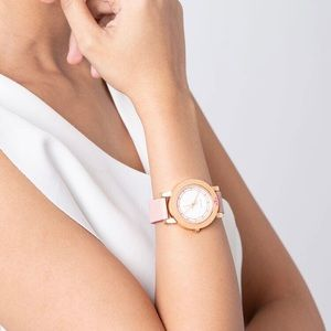 Tory Burch Accessories - ✨ SOLD ✨ Tory Burch Ellsworth Leather Strap Watch